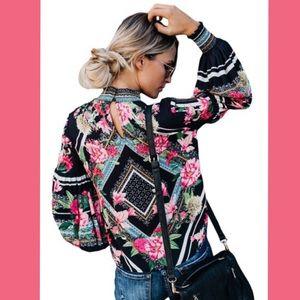 Tops - 🌺RESTOCKED⚠️🎉HPx2🎉Black Floral Blouse🌸